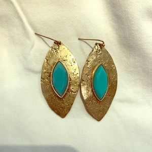 Jewelry - Gold & turquoise statement earring